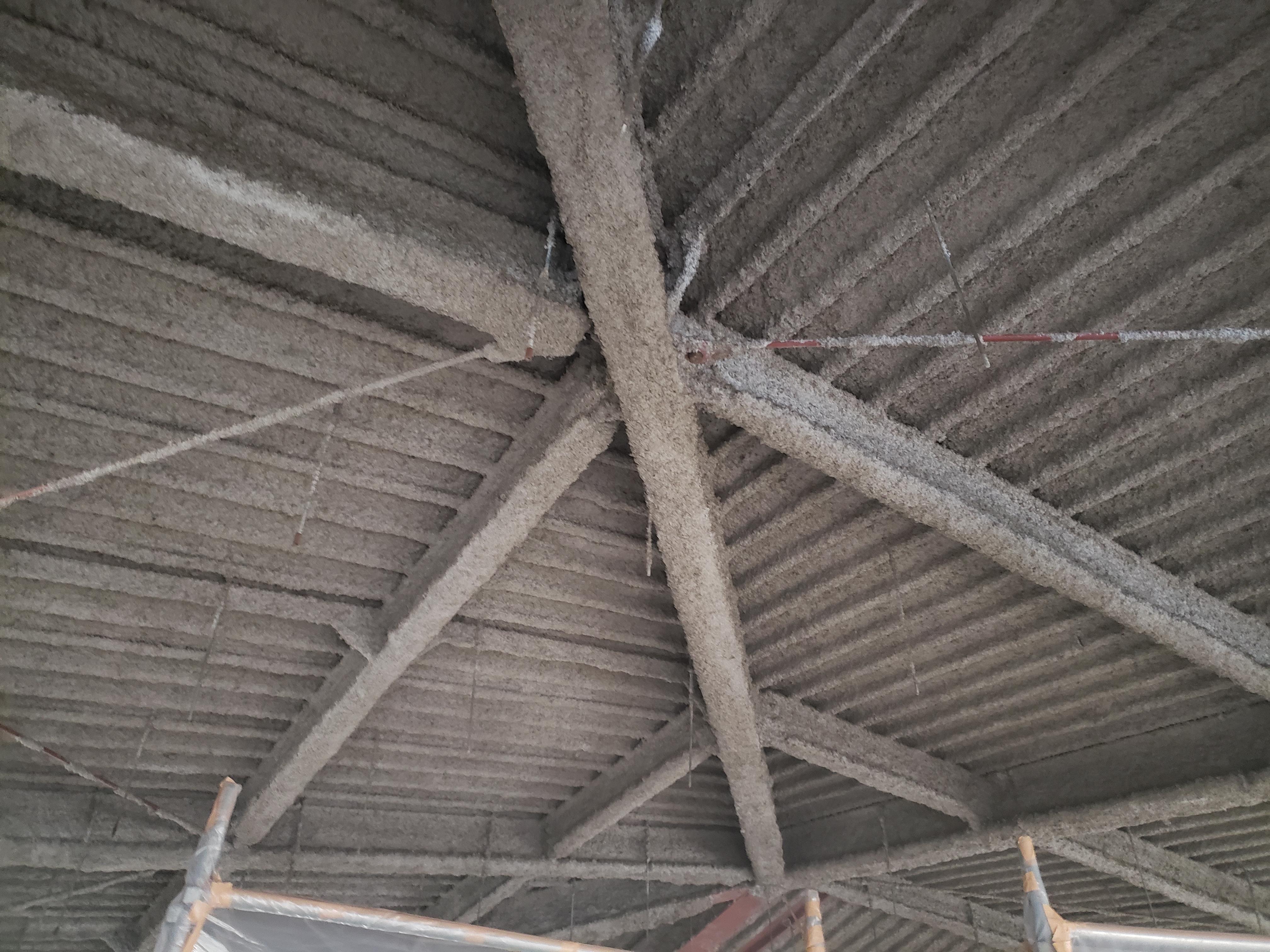 某施設解体工事の内アスベスト除去工事【煙突】【吹付】